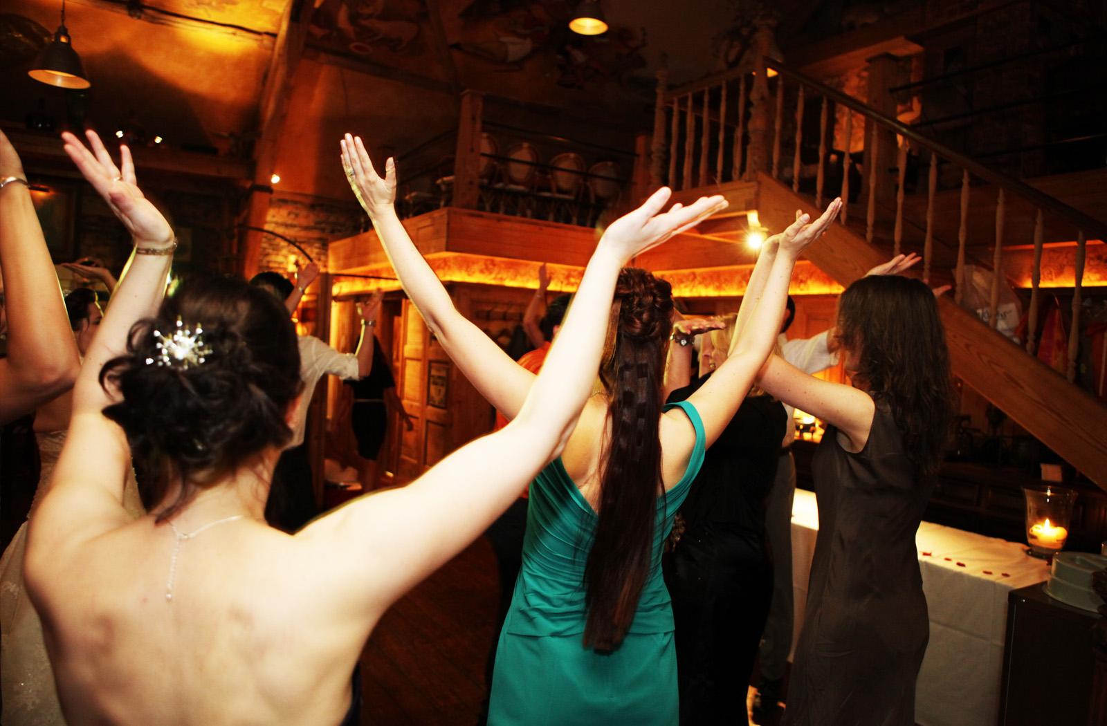 partymaster_dancing